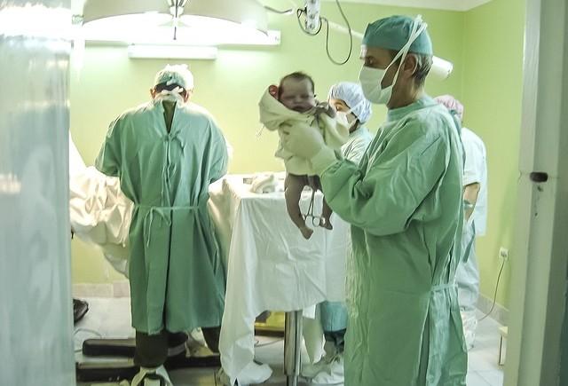 accouchement par césarienne